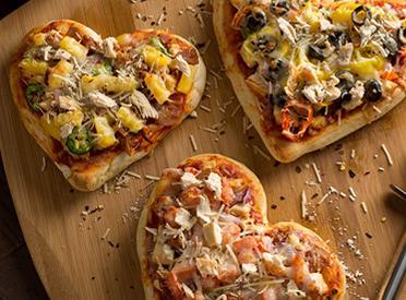 Mini Heart Shapes Pizzas